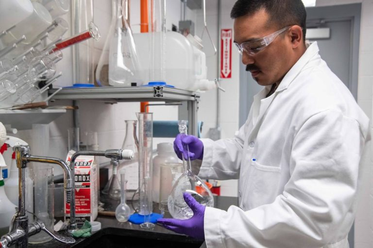 Profesjonalne wyposażenie laboratorium